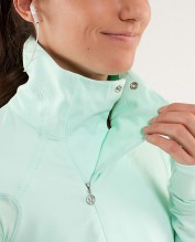 Lululemon Run: Reflective Pullover